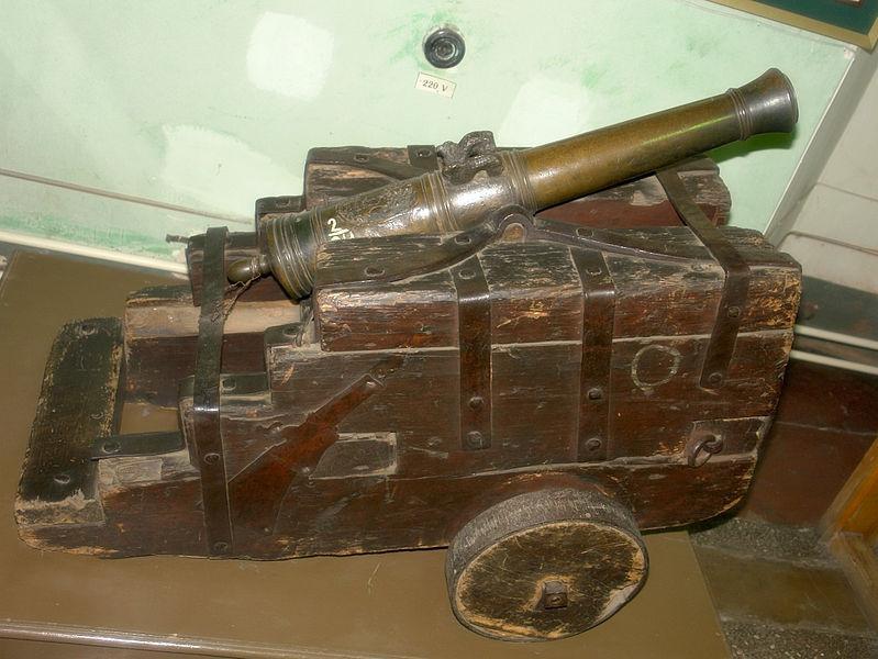 3/4-фунтовая пушка конца XVIII века. В 1872 году под названием «пугачёвской пушки» была представлена на Московской политехнической выставке