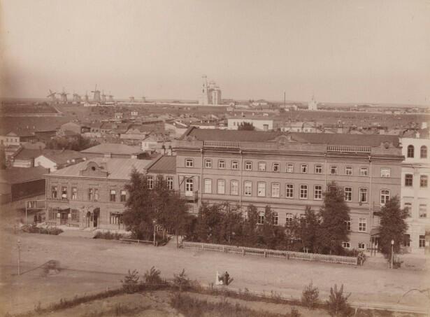 Здание Оренбургского отделения государственного банка. Фото начала XX века