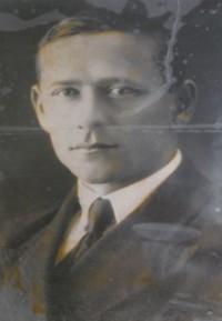 Предтеченский Вениамин Михайлович родился 2 января 1909 года. Перед призывом в действующую армию работал в Бердской семилетней школе учителем физики и математики.