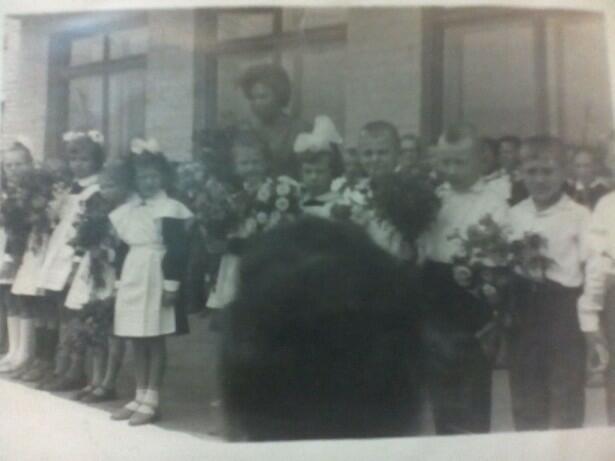 Старые фотографии: Первый раз в первый класс