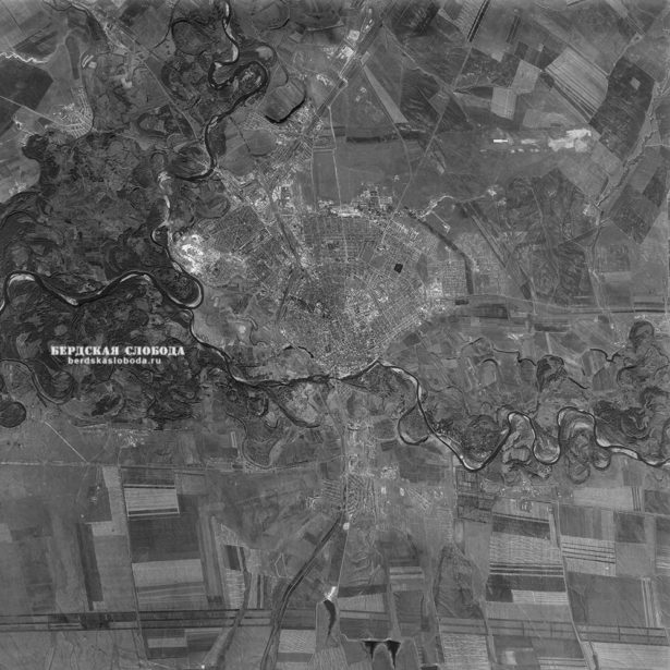 Спутниковый снимок Оренбурга, сделанный с американского спутника KH-7 Gambit 26 сентября 1964 года.