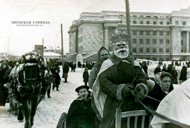 Карнавальный поезд в Чкалове, 1947 год, Фото: Константин Урбанович