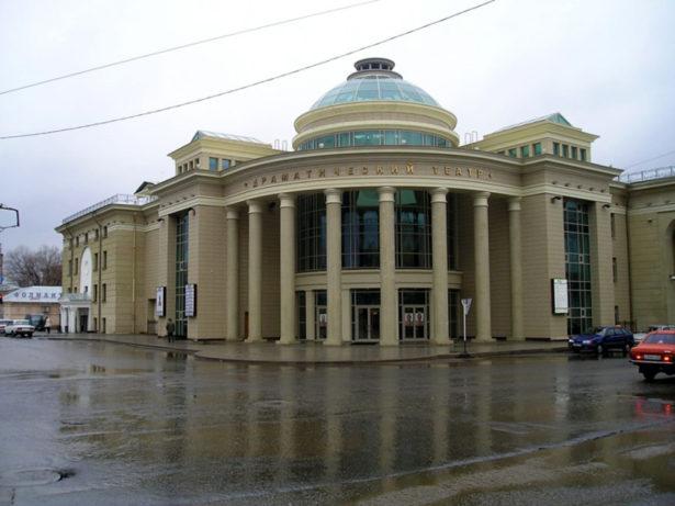 Оригинальный снимок Оренбургского драмтеатра