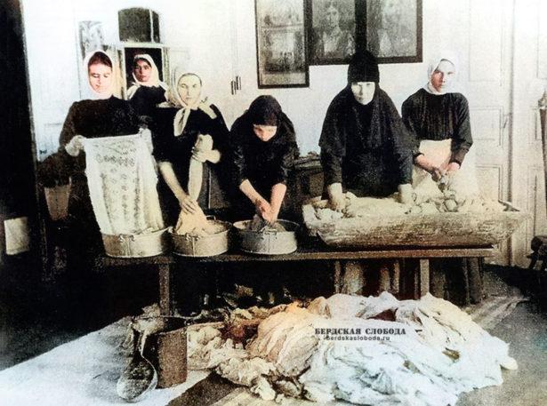 Монахини Оренбургского Успенского женского монастыря