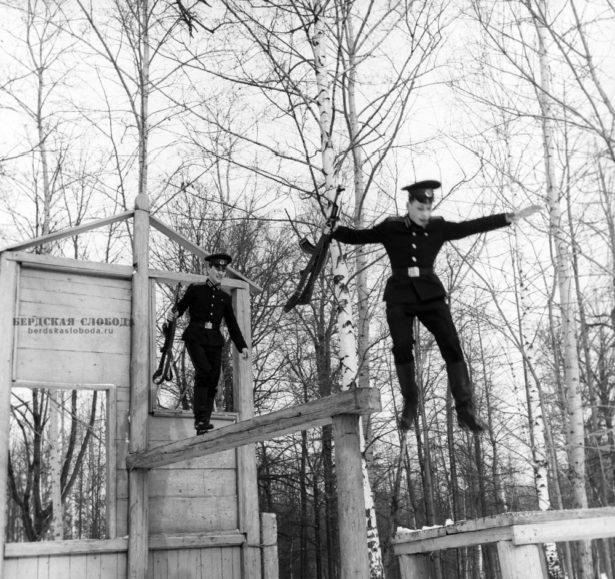 Суворовские будни. Фото: ТАСС