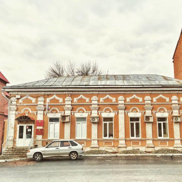 Небольшая заметка доктора исторических наук Елены Вадимовны Бурлуцкой об архитектуре старого Оренбурга.