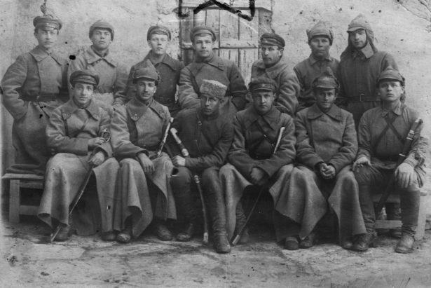 Командиры и политработники 7-й кавбригады Туркестанского фронта