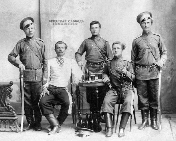Казаки 3-го Оренбургского полка.