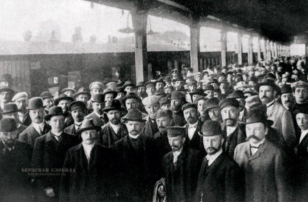 Депутаты распущенной в 1906 году Государственной Думы прибывают в Выборг, фото — Карл Булла
